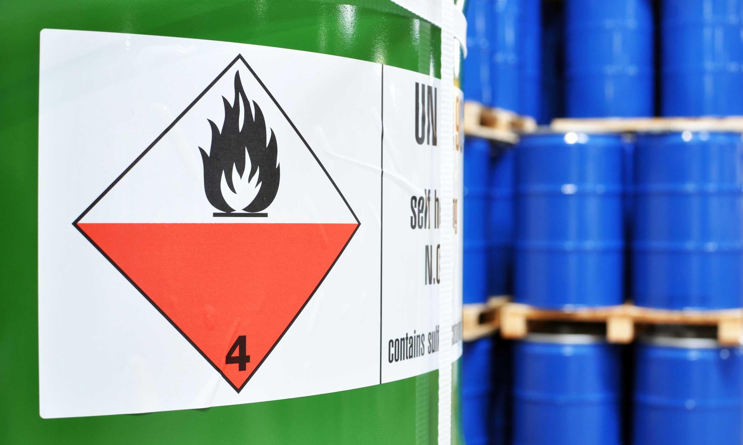 การจัดการด้านสารเคมีและการปฏิบัติตามกฎหมายสารเคมี
